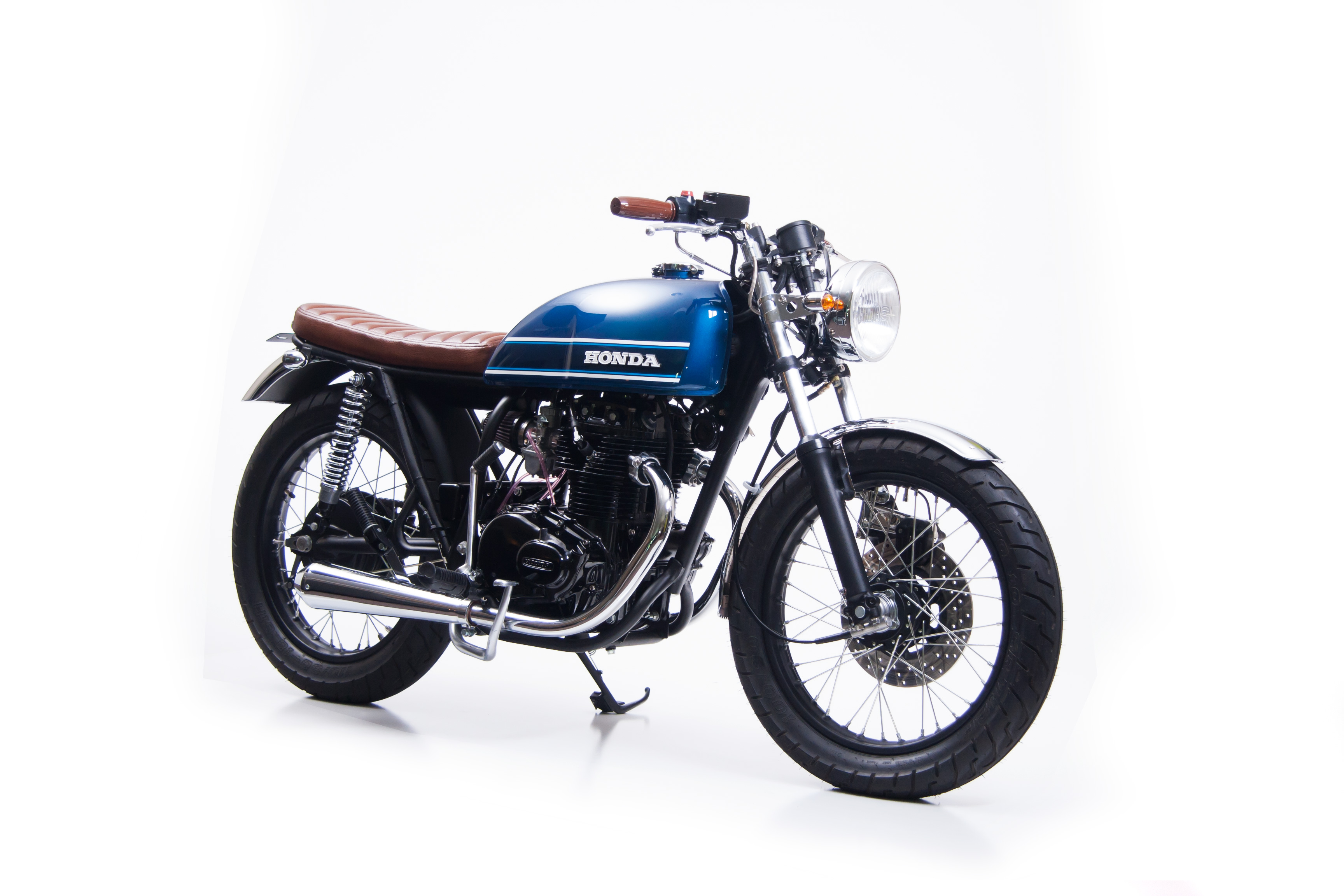 Cafe Racer - Custom restored 1976 Honda CB360T